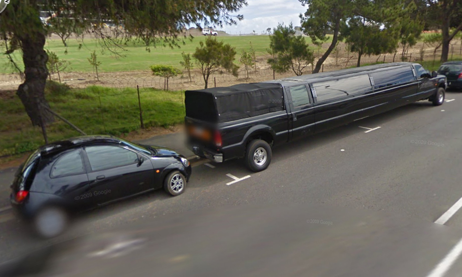 a long car and a short car google street view world funny street view images from google maps. Black Bedroom Furniture Sets. Home Design Ideas