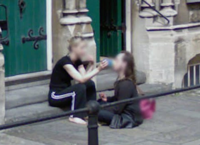 street-view-captured-a-feeding
