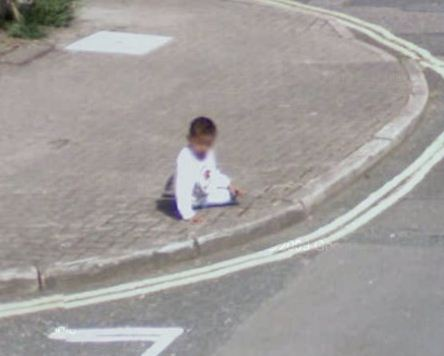 baby-left-alone-on-a-british-pavement
