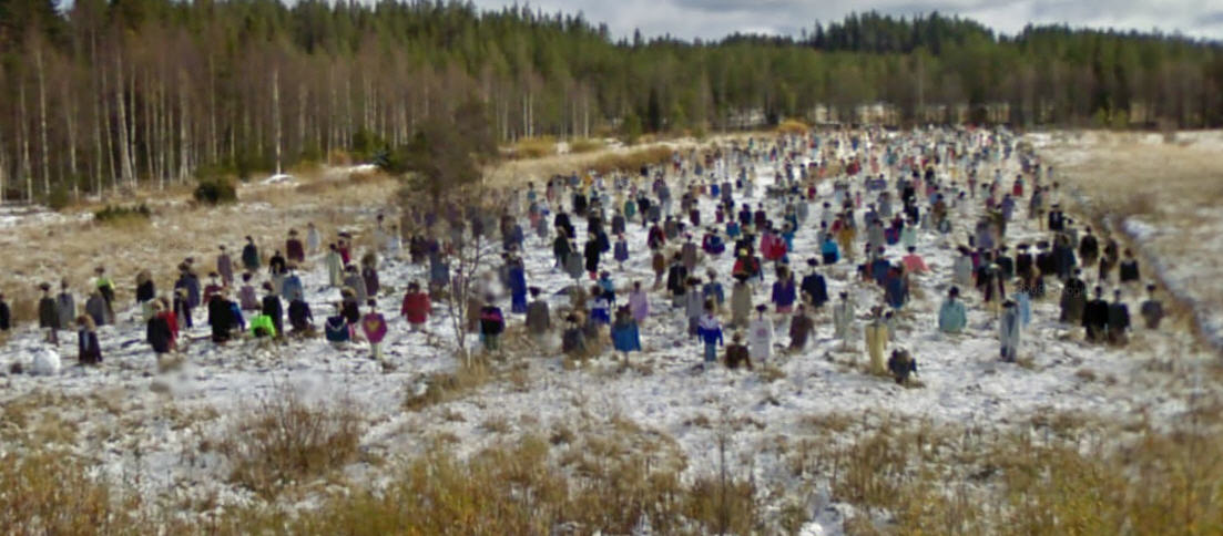 google-street-view-captures-a-field-full-of-scarecrows-in-finland