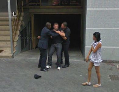 google-maps-street-view-brazil-captures-a-fight-over-a-girl