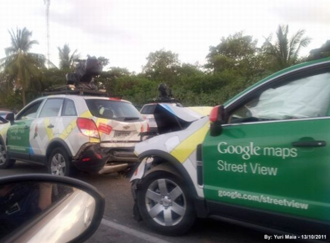 google-street-view-vehicles-get-into-an-accident-in-brazil--