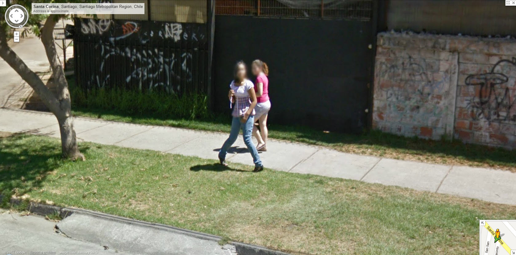 google-street-view-chile-captures-a-girl-posing-for-the-camera