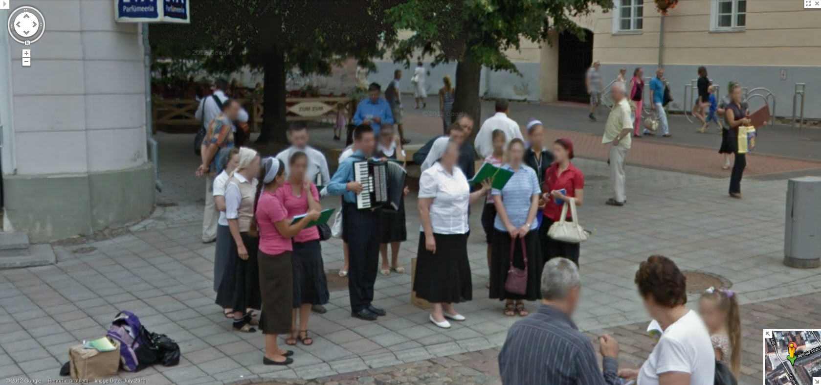 google-street-view-captures-a-good-old-accordian-accompanied-choir-in-estonia