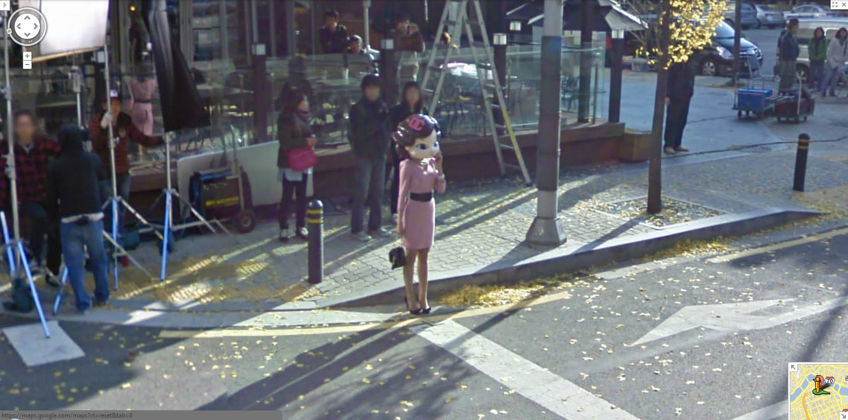 google-street-view-captures-a-girl-being-filmed-in-korea--is-she-real