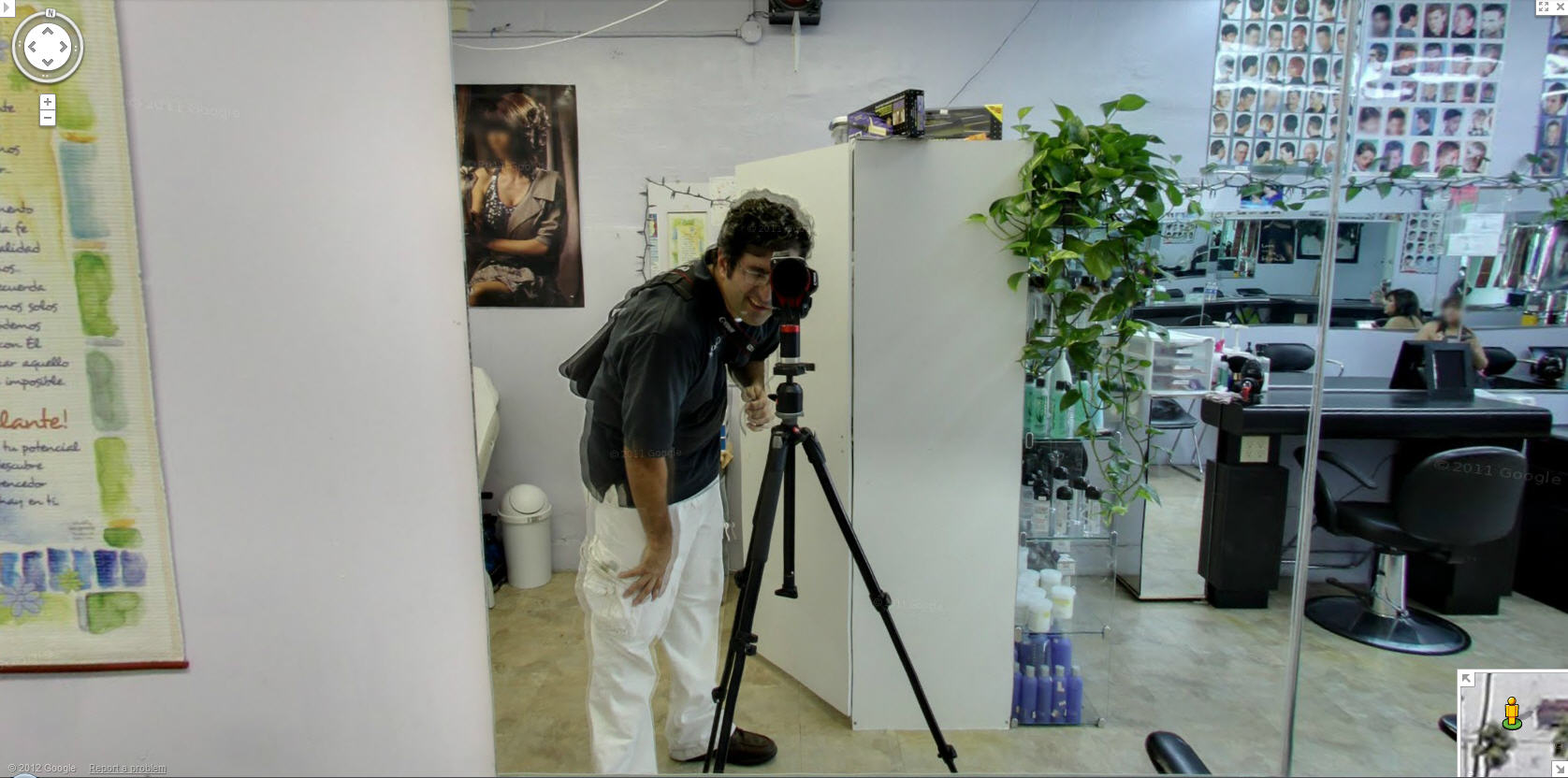 googles-indoor-street-view-photographer-looks-like-he-needs-a-haircut