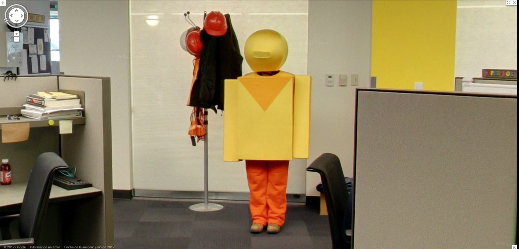 google-street-view-captures-the-peg-man-great-halloween-costume