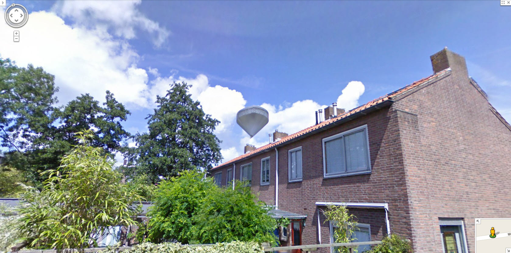 google-street-view-captures-a-ufo-hovering-over-a-house-in-holland