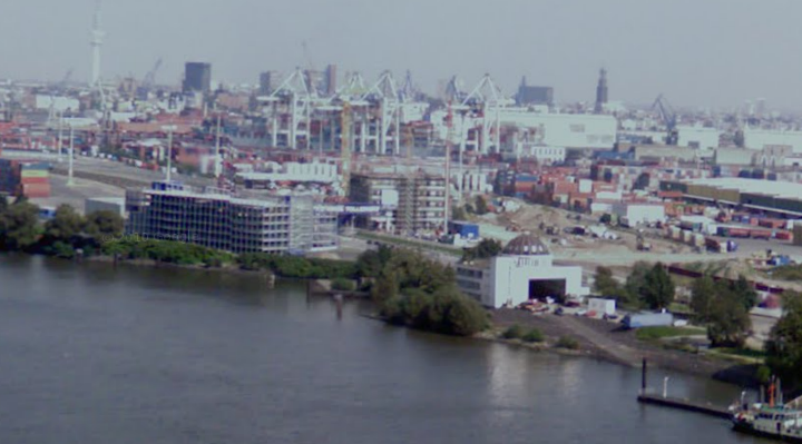 google-maps-street-view-hamburg-takes-some-interesting-shots-of-the-city