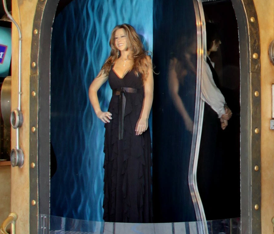 is-that-mariah-carey-captured-by-google-street-view