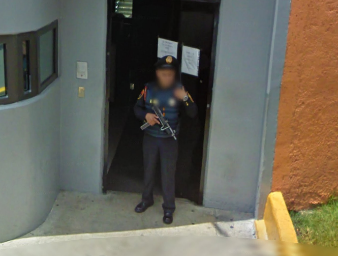 that-looks-like-a-serious-gun-for-a-mexican-security-guard--
