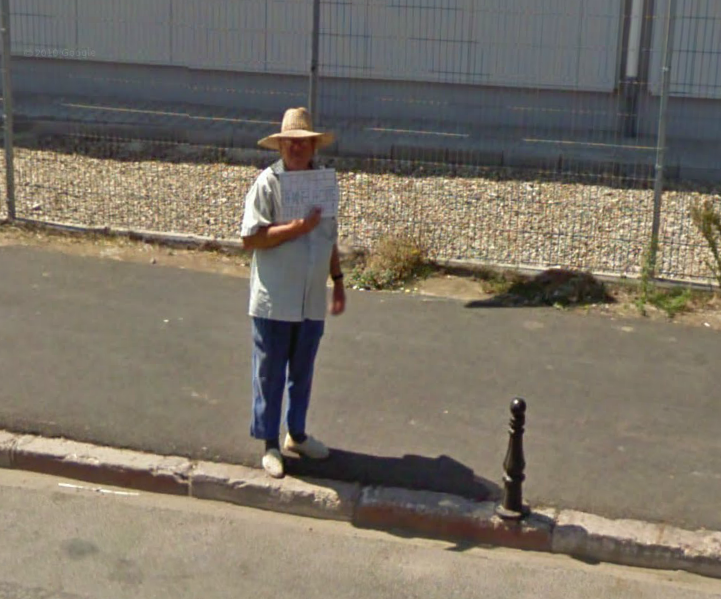 google-street-view-captures-a-man-selling-pizza-in-romania