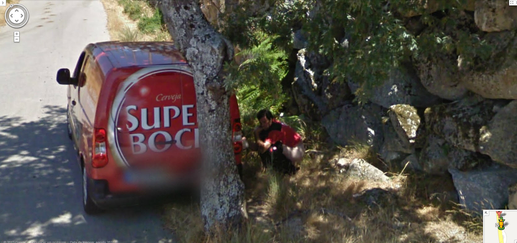 google-street-view-portugal-shit.jpg