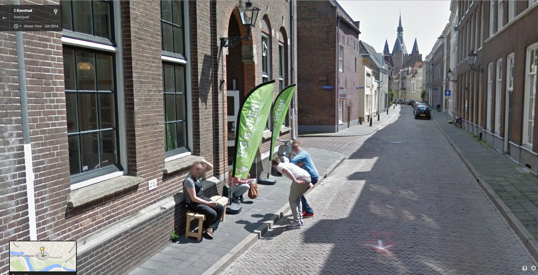 google maps dead guy with Dutch Guys Mooning Google Street View on Lauren Slocum together with Free Baskin Robbins Polar Pizza likewise Las 10 Fotografias Mas Terrorificas Del Mundo in addition Watch moreover Priceless Falling Off Your Bike In Front Of People And Google Street View.