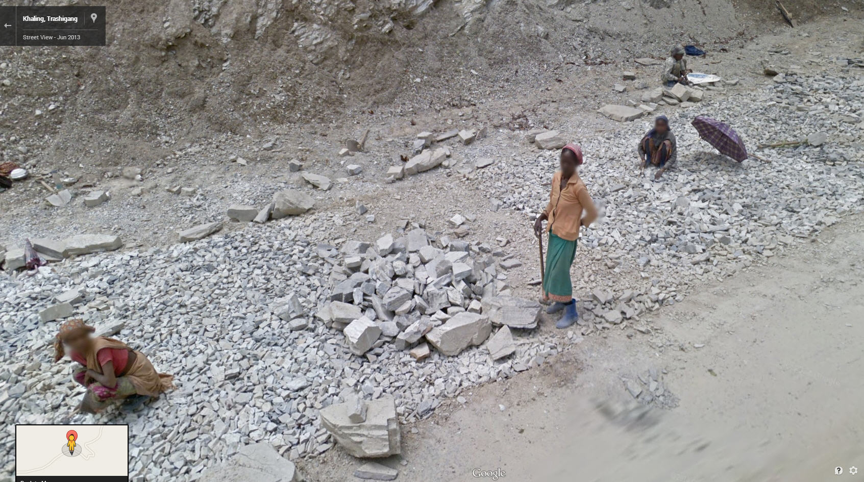 Amazing Picture – Bhutanese Women and Children Road Building