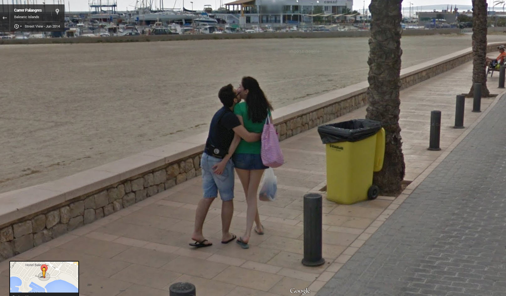 spanish lovebirds google street view world funny street view images from google maps. Black Bedroom Furniture Sets. Home Design Ideas